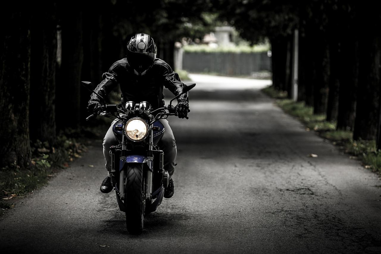 Motorrad auf Straße